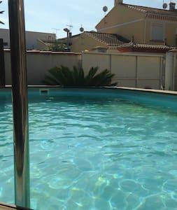 chambre dans villa à 10mn de la mer et de beziers - Villa
