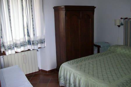 CasaTuccella Camera Monte Bolza - Bed & Breakfast