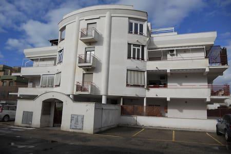 Casavacanze Alsium int. 15 a pochi passi dal mare - Ladispoli - Apartment