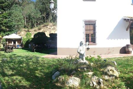 Triple en masia Vallgorguina - Talo