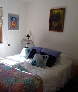 Cómoda habitación, cama Doble. - Casa