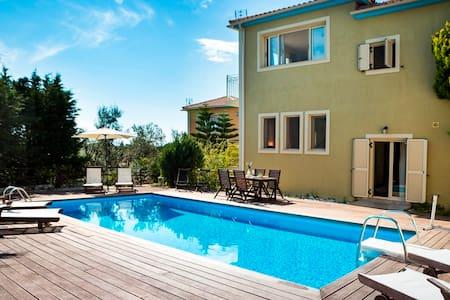 Splendid Family Villa Chrysoula - Skala - Villa