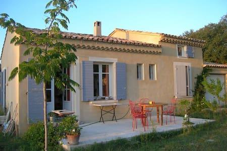 Villa indépendante avec jardin - Casa