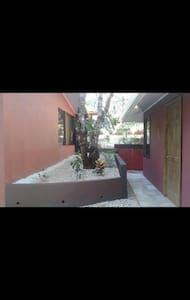 VILLA DE LOS MONOS - Villa