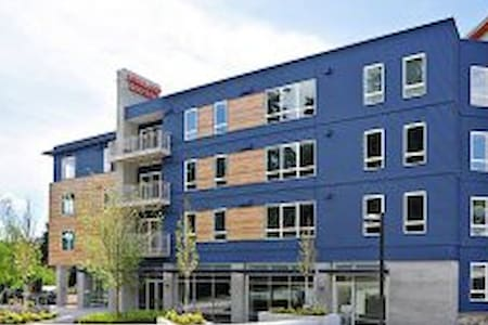 Charm condo in Kirkland/Bellevue - 公寓