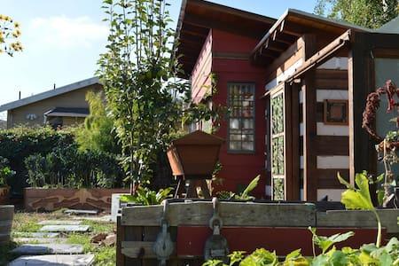 Garden Tiny House Oasis - Hus