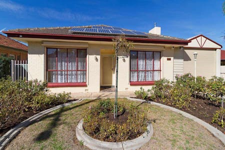 Old house New dream (2 people) - Clearview - House