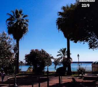 Remodeled central in sunny Sanremo - Apartamento