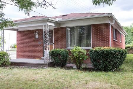 Single Home - Detroit - Huis