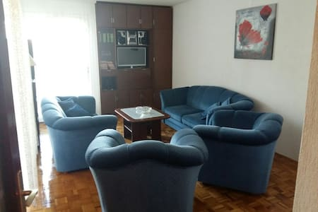 Big comfortable apartment in Tivat, Montenegro - Apartamento