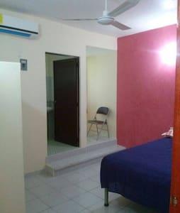 Private Room within an apartment - Salina Cruz - Wohnung