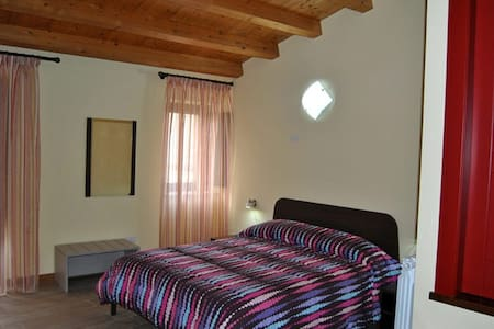 La Scaletta di Petra - Camera San Michele - Bed & Breakfast