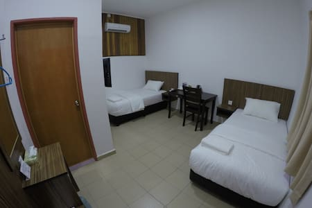 Summer Beach Lodge-Standard Twin Room - Labuan - Talo
