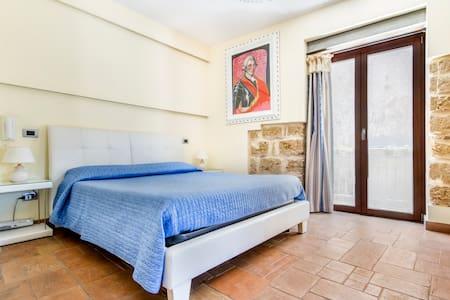 HOOTEL DUOMO MONREALE - Bed & Breakfast