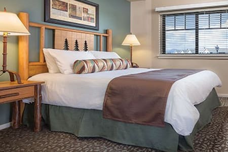 W Yellowstone 1BR Resort Free WiFi! - Villa