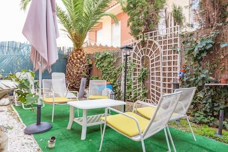 Habitación privada con baño privado - Numancia - Dom