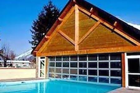 T3 Luchon piscine - Bagnères-de-Luchon