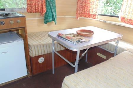 Jagdhaus Renningen Caravan Troll - Renningen - Camper/RV