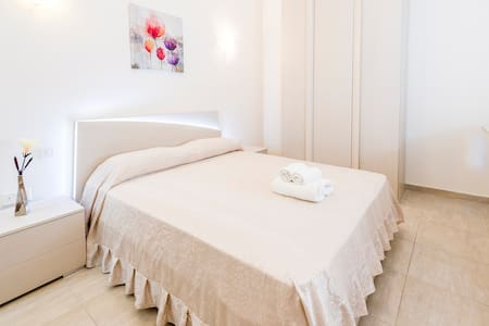 Sweet Room between Sliema and Gzira near Ferries - Gzira