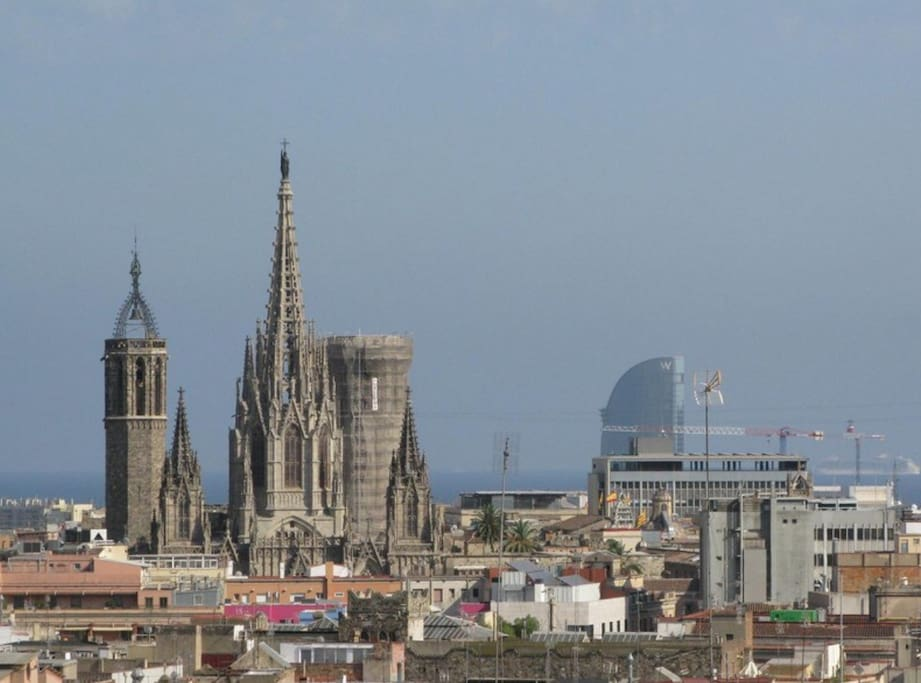 views from the terrace to de sea and cathedral