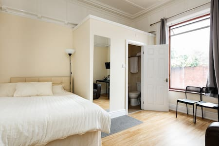Albert En Suite Apartment 3 - Διαμέρισμα