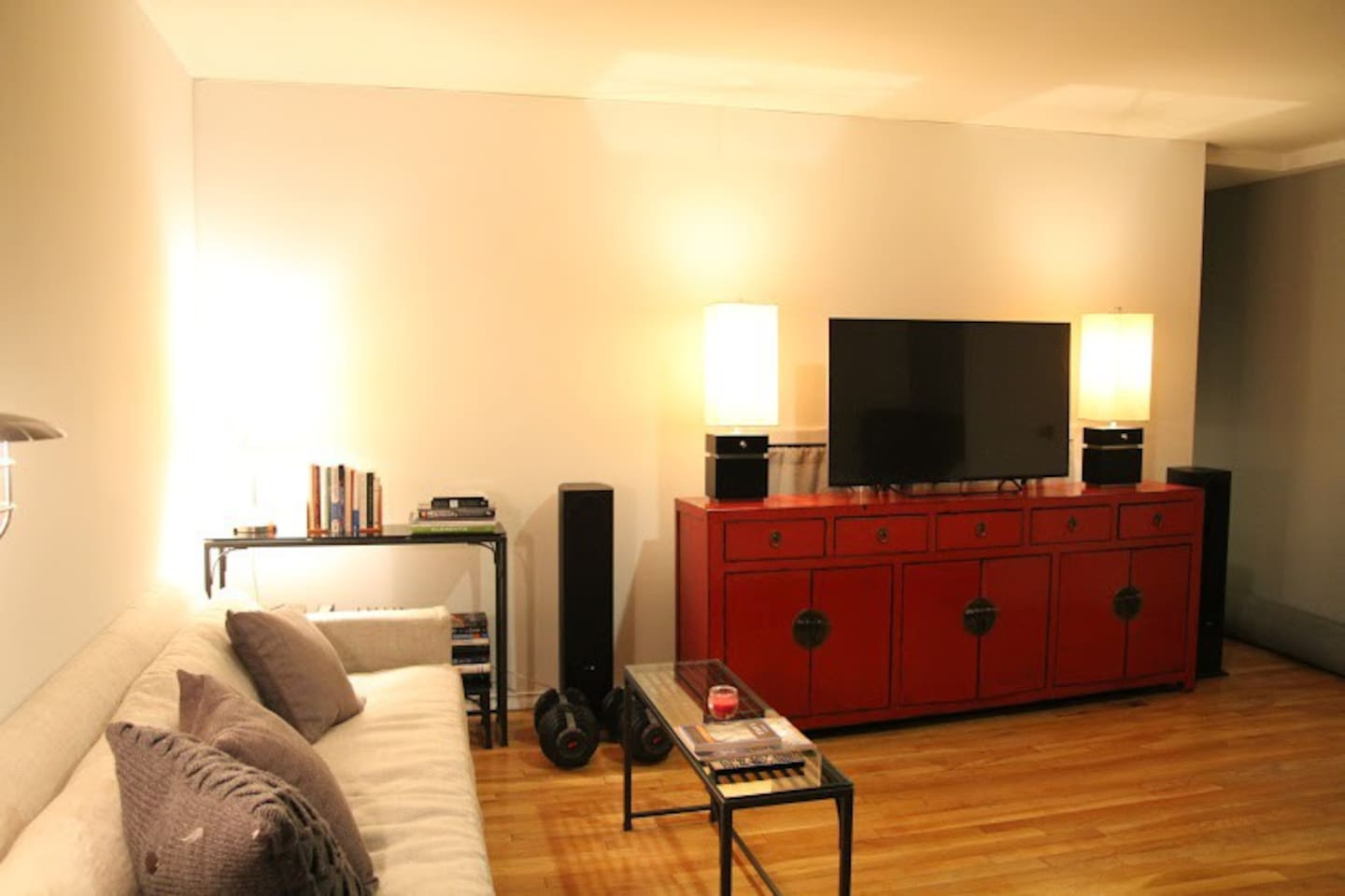 Duplex studio-Heart of Midtown East