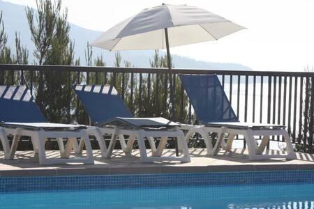 3 bed apartment with beach views. - Le Lavandou