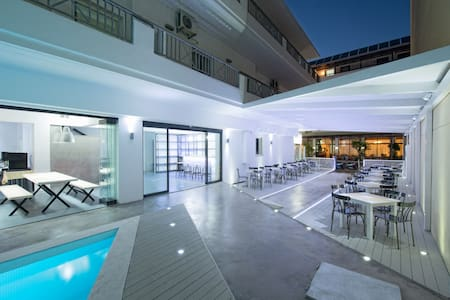 fedra apartments hersonissos - Condominium