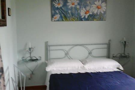 Accogliente camera Chalet - Pozzuoli - Bed & Breakfast