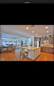 cool nice room--away from your home - Norco