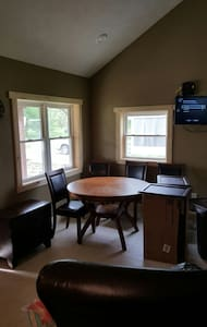 New cabin 5 minutes from Rend Lake - Buckner - House
