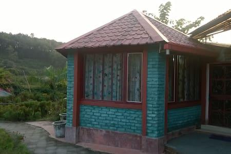 Old Mussoorie Road Cottage Dehradun