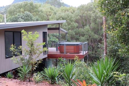 Babbling Brook Retreat - Zara - House
