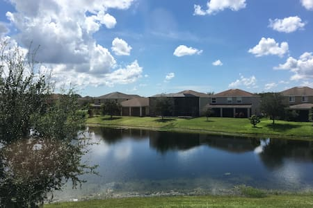 Lake view with private Bathroom - Lehigh Acres - House