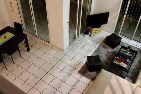 Belle chambre dans un grand duplexe avec vue mer - Noumea - Apartment