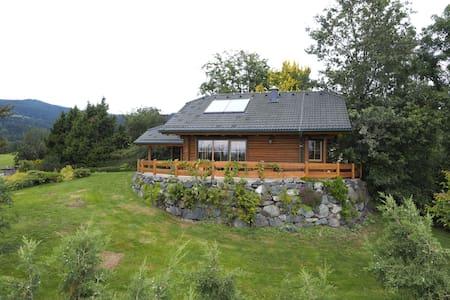 gemütliches Blockhaus mit phantastischer Aussicht - Wolfsberg