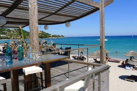 Villa en Corse du Sud au calme - Vila