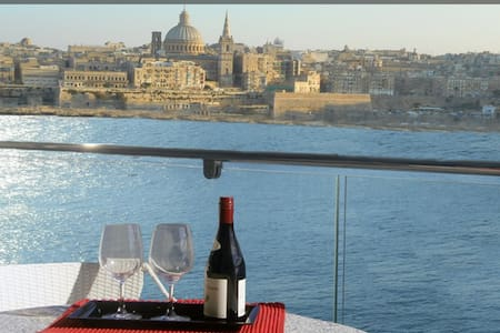 View From Your Balcony - 2bed Malta - Leilighet