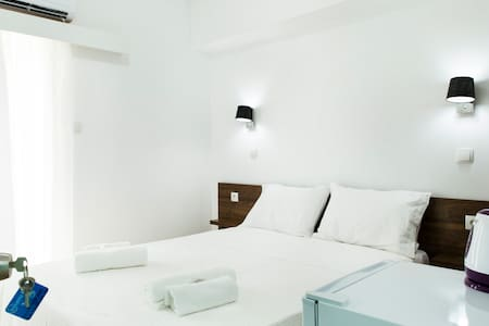 Cozy Clean Double 12sqm, Comfy Bed, Free Breakfast - Wohnung