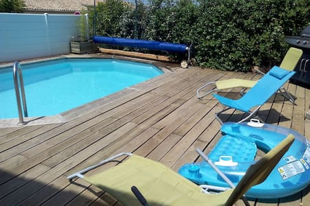 villa avec piscine sud de france-portiragnes - Haus