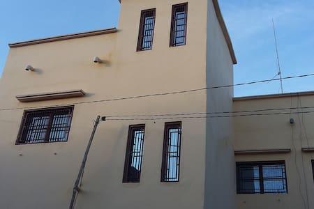 Belle maison à Baco-Djicoroni Golf - Huis
