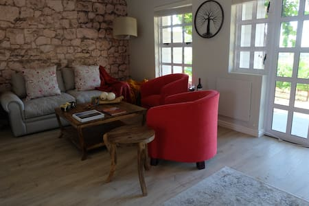 Shiraz Cottage - Self Catering Vineyard Cottage - Stellenbosch - Other