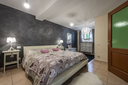 Stylish Apt Close to Siena - Apartmen
