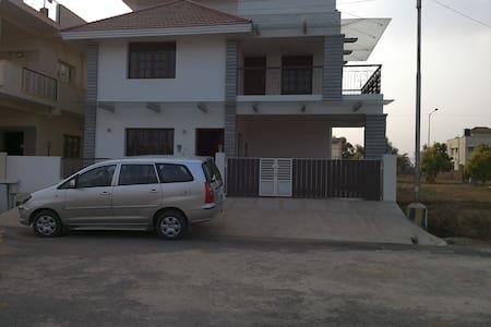 Accomodation in a independent Villa - Bengaluru