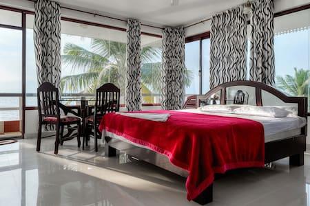 Waves Beach House, Andhakaranazhy Alleppy Kerala - Vila