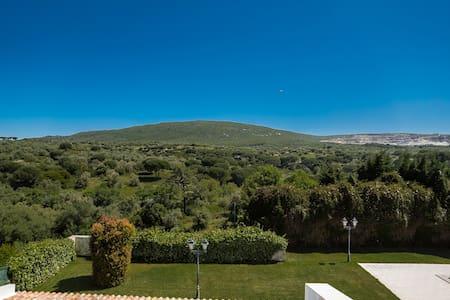 Charming house, mountain view | Medronheiro Villa