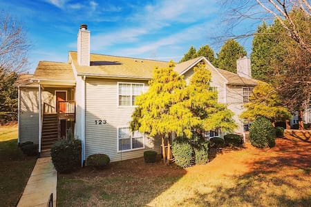 Quiet, calm home just minutes from Lake Norman! - Daire