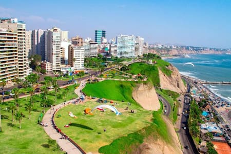 Room in Miraflores, 1 block from  ocean - Apartment