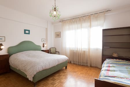 Spacious apartment in the quiet and green. - Roma - Apartment