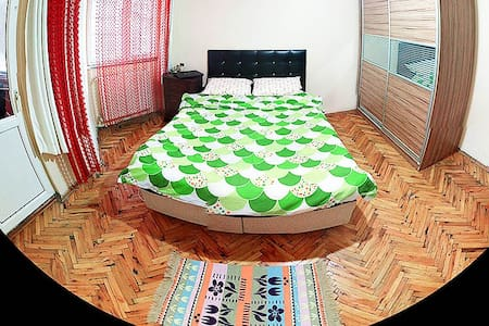 Decent and central room,close to Metro station - Apartemen